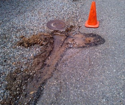 picture of minor roadway leak